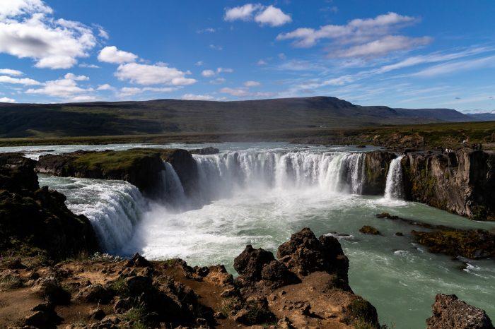 Island rundt i bus 2020