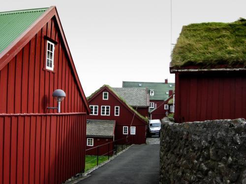 Idylliske huse i Tinganes.