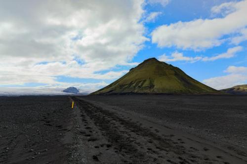 Mælifellssandur. En sandørken ved Mýrdalsjökull.