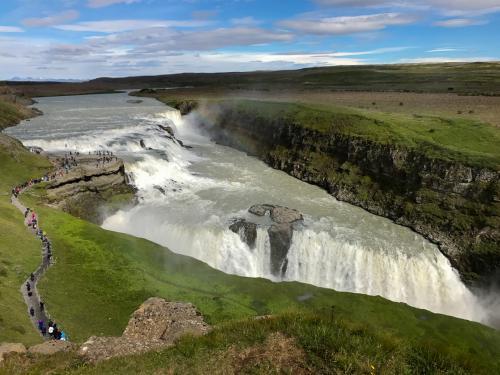 Det smukke vandfald Gullfoss