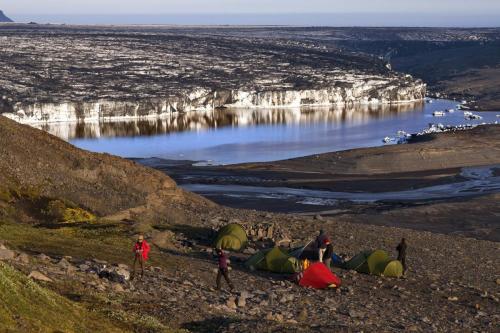 Campering med udsigt til gletsjersø